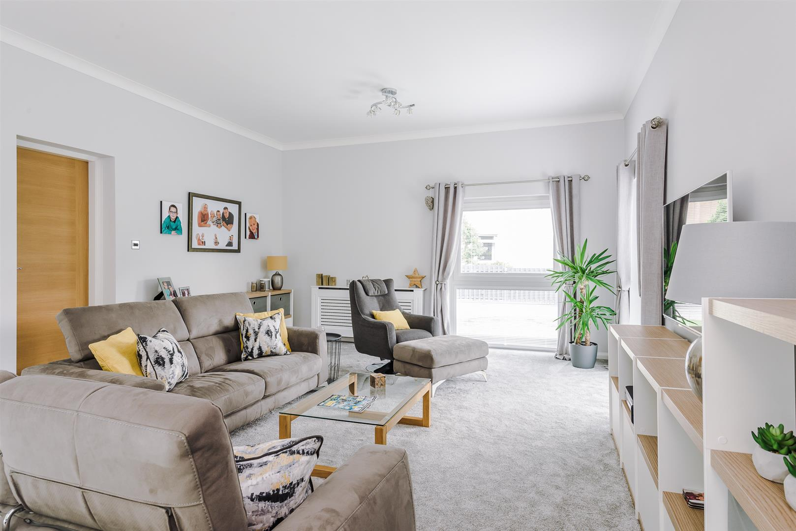 4 bedroom detached house For Sale in Bolton - DSC_6391.jpg.